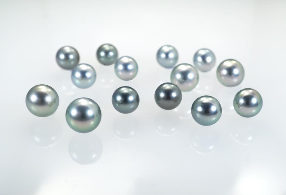 Magnifiques perles de Tahiti rondes