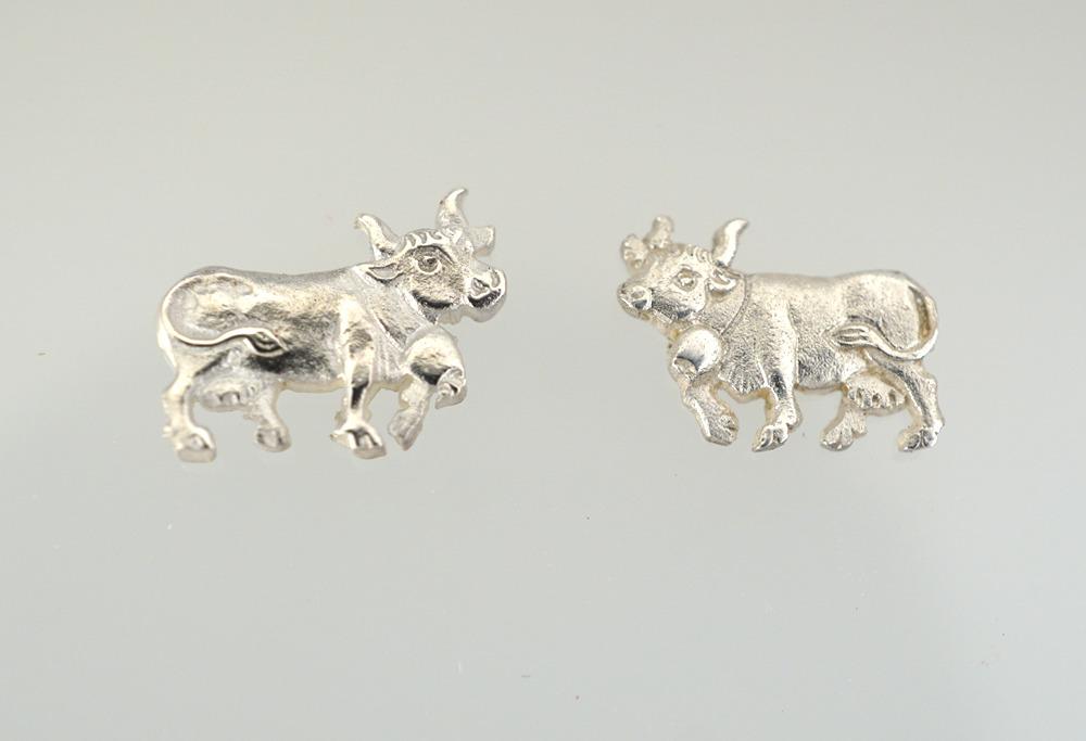Neues Produkt Infos für zu verkaufen Kuh Ohrstecker und roher Guss – Fournituren